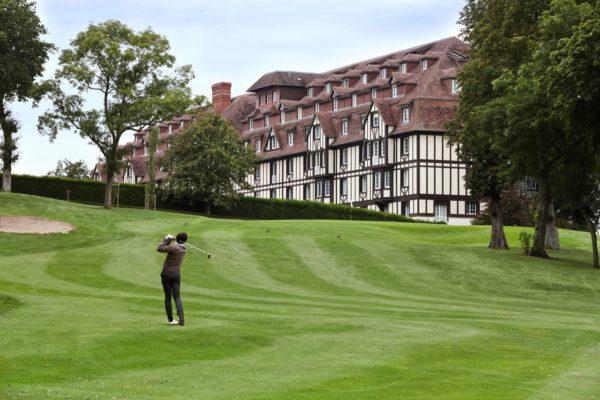 Golf Barrière Deauville : une académie de golf et une rénovation pour fêter les 90 ans du parcours