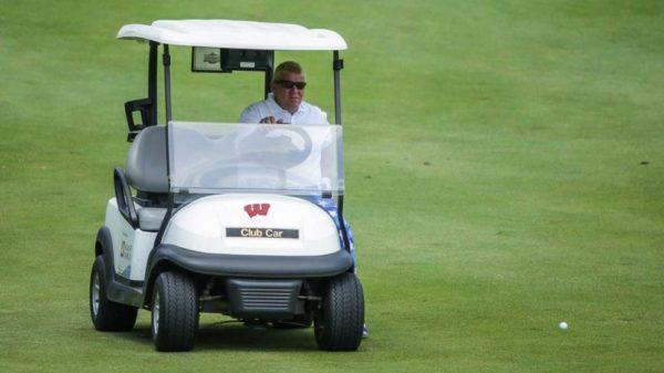 John Daly autorisé à jouer le US PGA avec une voiturette