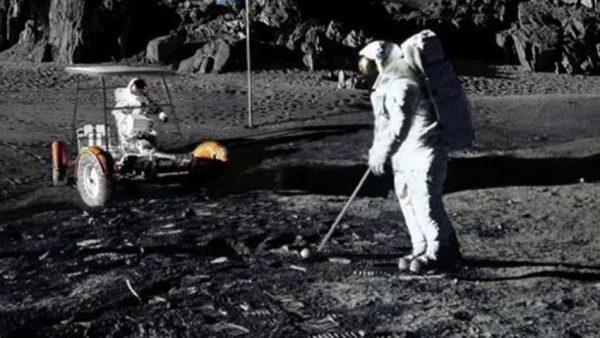 Souvenirs : le premier golfeur sur la lune