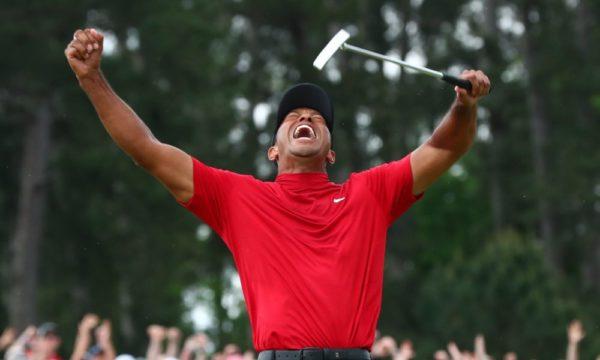 """Tiger Woods : """"J'ai gagné des tournois en portant des cols montants, j'ai toujours aimé les porter."""""""