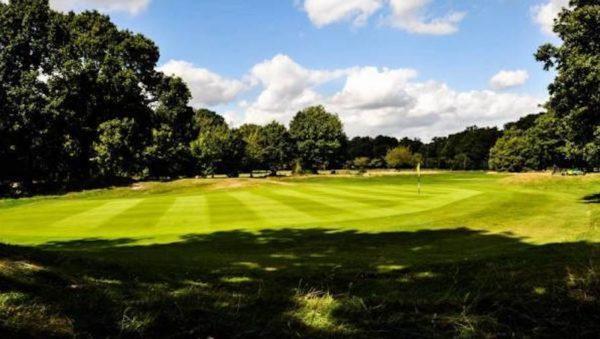 En Angleterre un élu dénonce les comportements agressifs de golfeurs frustrés