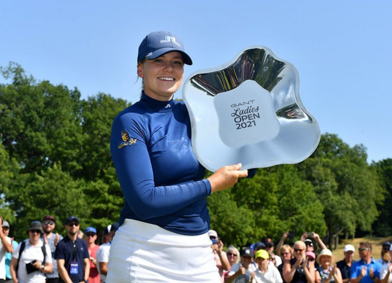 Matilda Castren Trophy Mark Runnacles/LET.